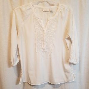 White 3/4 length sleeve lace shirt